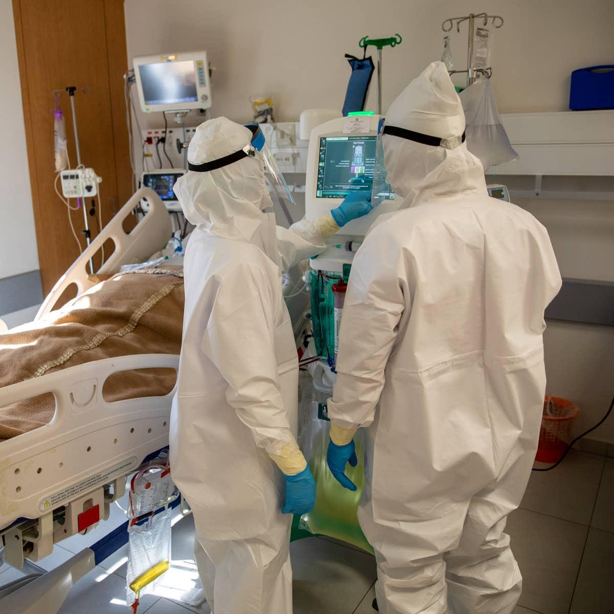Вакцина снижает вероятность тяжелого течения COVID-19